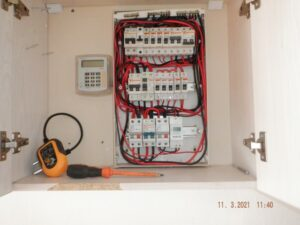 ELECTRICAL8775 (Small)